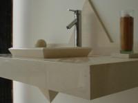 plan vasque + vasque intégré en pierre de fatima poli