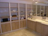 plan de vasque et étagères en pierre de lymra