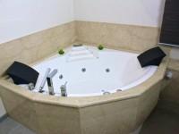 entourage baignoire en marbre boticinno marbrerie bonaldi le muy var