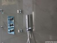 mur de douche en quartzite grise poli marbrerie bonaldi le muy var
