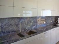 plan de travail de cuisne en granit bleu marbrerie bonaldi