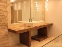salle de bain en travertin