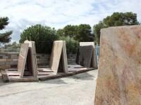 1500m2 de stock pierres marbres granits et quartz
