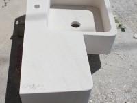 Plan de vasque dans la masse en pierre