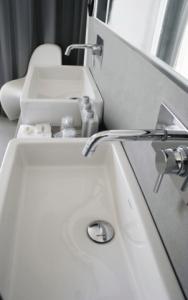 robineterie vasque hotel mandala marbrerie bonaldi var le muy