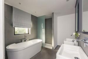 Les salles de bains de l h tel le mandala marbrerie - Salle de bain avec mur en pierre ...