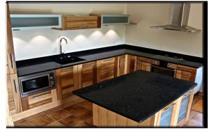 cuisine plan de travail noir 2 marbrerie bonaldi